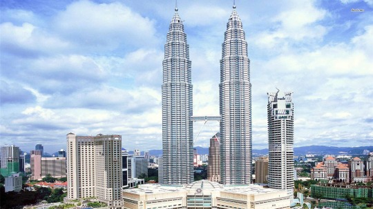 Petronas-Twin-Towers.jpg